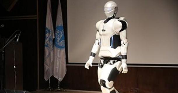ربات انساننمای ملی ایران در دانشگاه تهران رونمایی شد