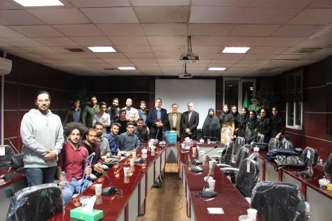 نشست صمیمانه سرپرست دانشگاه علم و فرهنگ جناب آقای دکتر هاشمی با دانشجویان ورزشکار و مقام آوران المپیاد