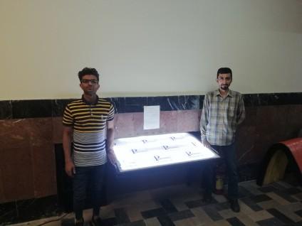 طراحی، ساخت، و نصب میز نور تاشو دیواری توسط دانشجویان دانشکده مهندسی مکانیک